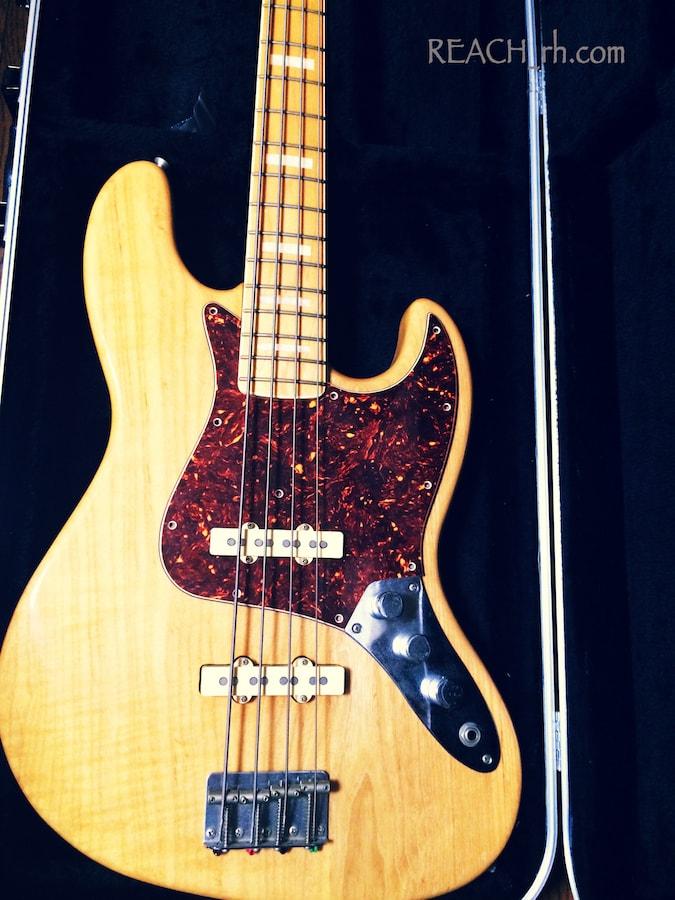 Fender Jazz Bass white ash ピックガード付きボディアップ
