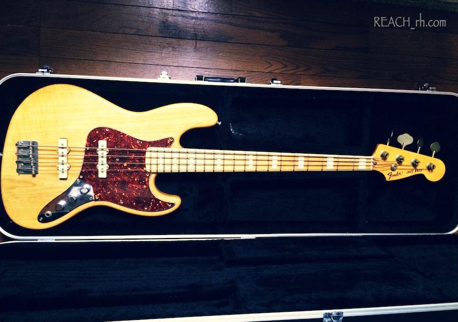 Fender Jazz Bass white ash ピックガード付き全容