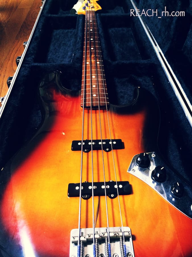 Fender Jazz Bass 斜め全容