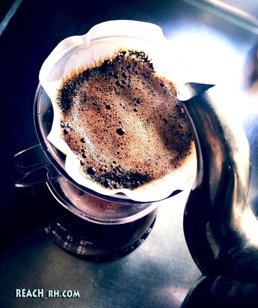 コーヒー落とすのよ